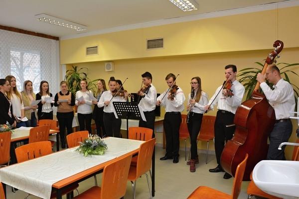 Studenti Střední školy průmyslové, hotelové a zdravotnické UH na interním oddělení