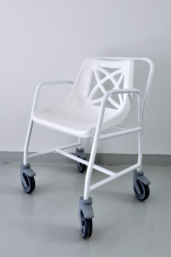 Křeslo pojízdné do sprchy - 300 Kč/měsíc