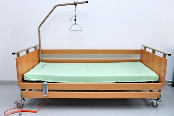 Elektrická polohovací postel - 850 Kč/měsíc